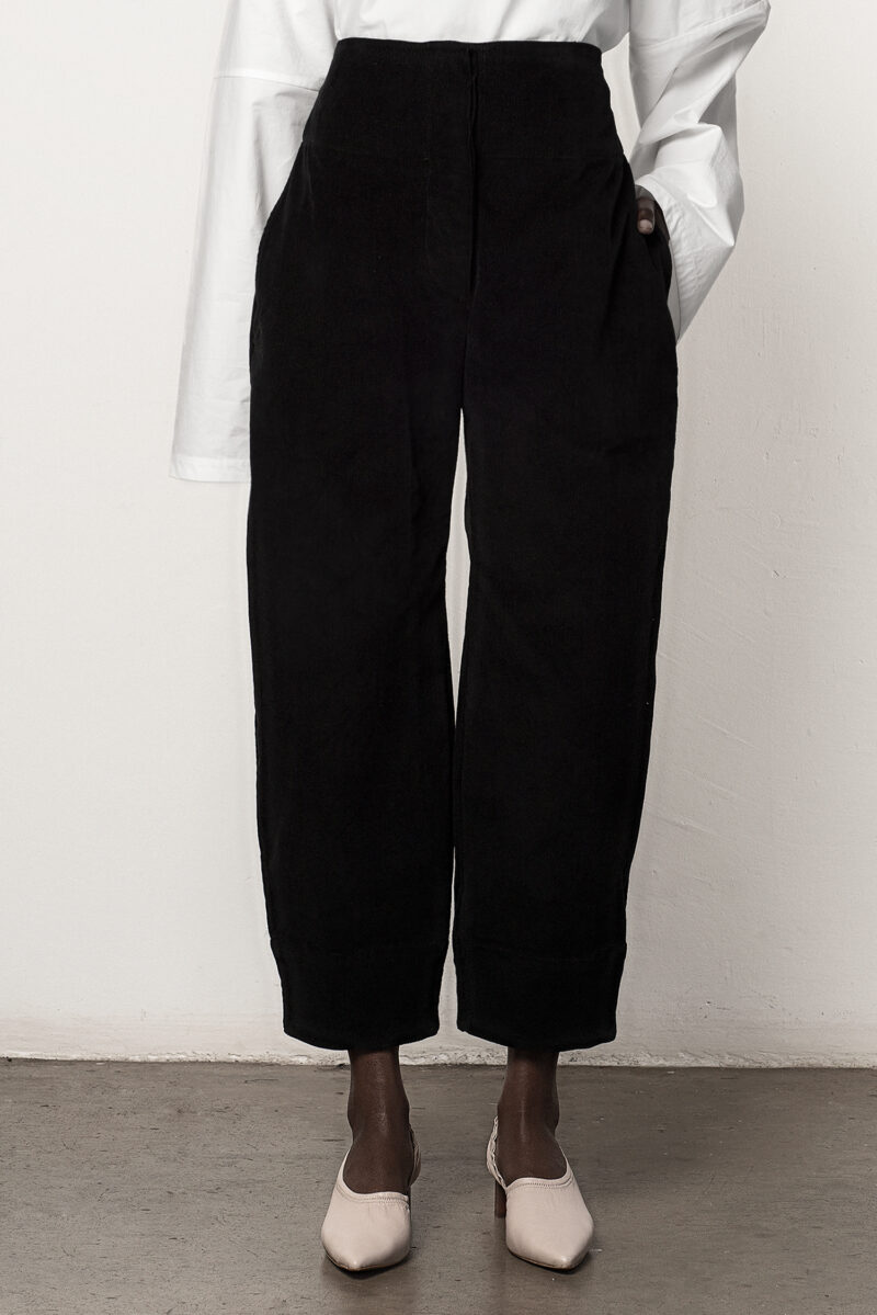 Curved Seam Trouser